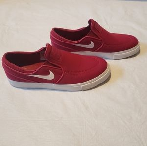 Pink Nike zoom slip on canvas skater shoes